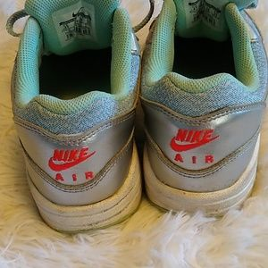 Nike Shoes - FINAL SALE! Nike Air Max Throwbacks